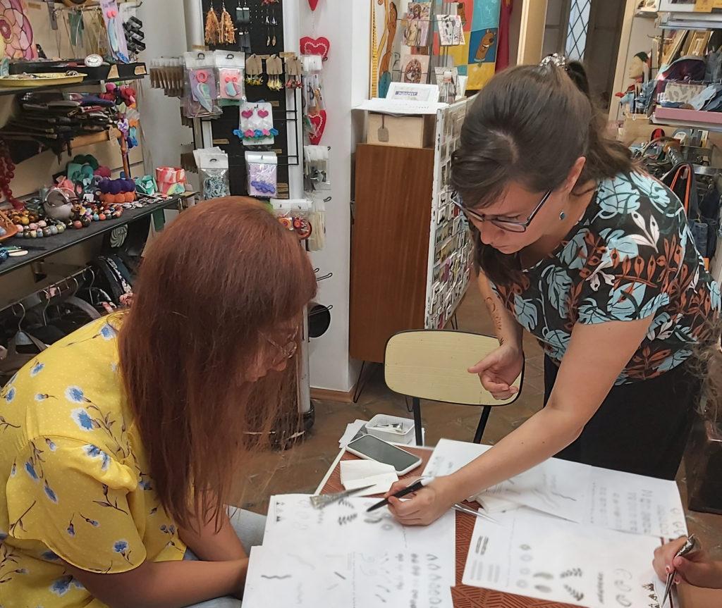 hennafestő workshop a Ficakban - Angéla