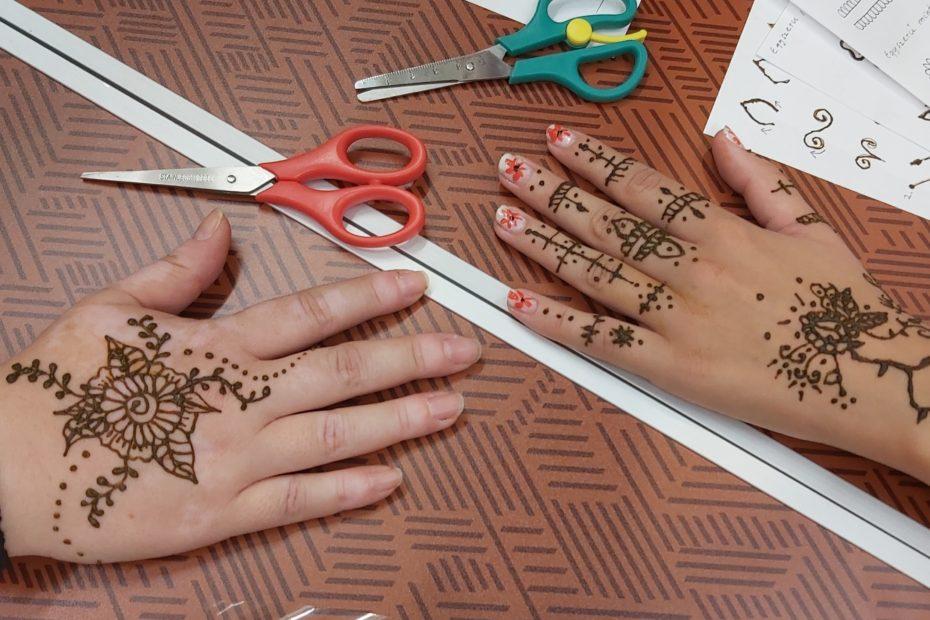 hennafestő workshop a Ficakban - első hennák