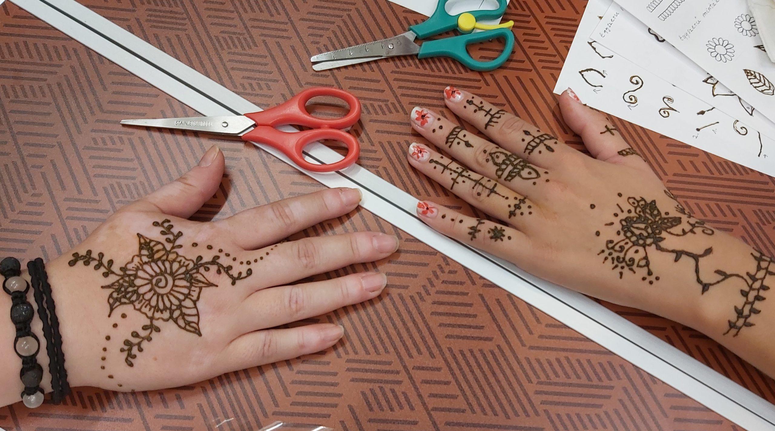 hennafestő workshop a Ficakban – első hennák