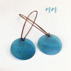 újrahasznosított műanyag fülbevaló kék kör hosszú
