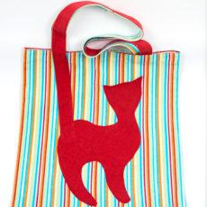 Cicás táska piros macska csíkos alap