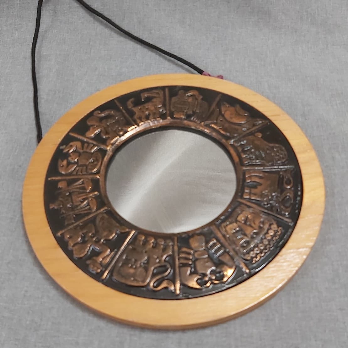 Horoszkóp mintás réz-fa retro tükör
