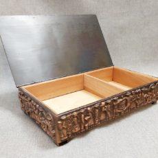 Szüret oldalán mintás réz retro doboz