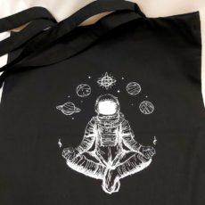 Űrhajós meditáció fekete vászon táska totebag