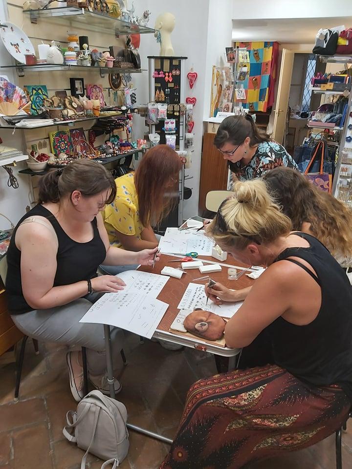 Hennafestő workshop a Ficakban
