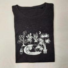 Macska növények között (cat plant) póló fekete