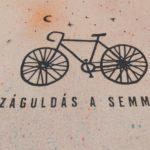 Száguldás a semmibe (kerékpár) táska színes
